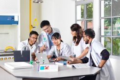 Students-in-the-Lab